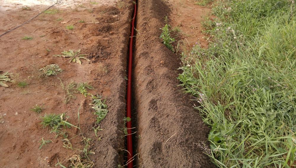 Прокладка кабеля в земле своими руками